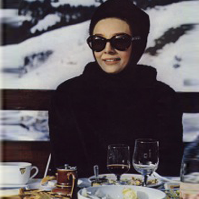 What warms one best apres ski? Mulled wine and a terrific pair of shares.