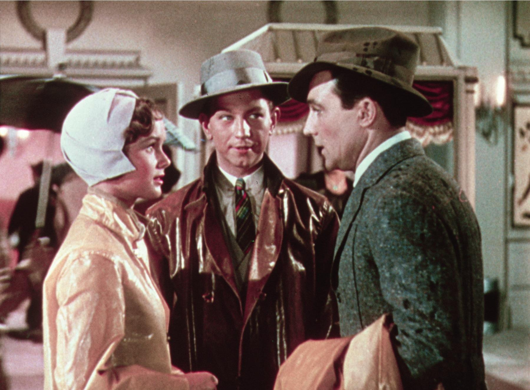 Debbie Reynolds, Donald O'Conner and Gene Kelly show us it's all about the hat