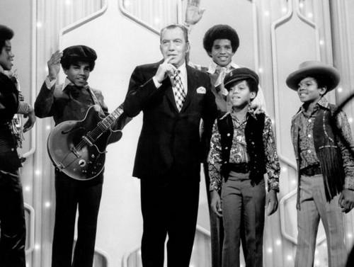 Jackson-5-On-The-Ed-Sullivan-Show-Back-In-1969-mari-33481849-500-377