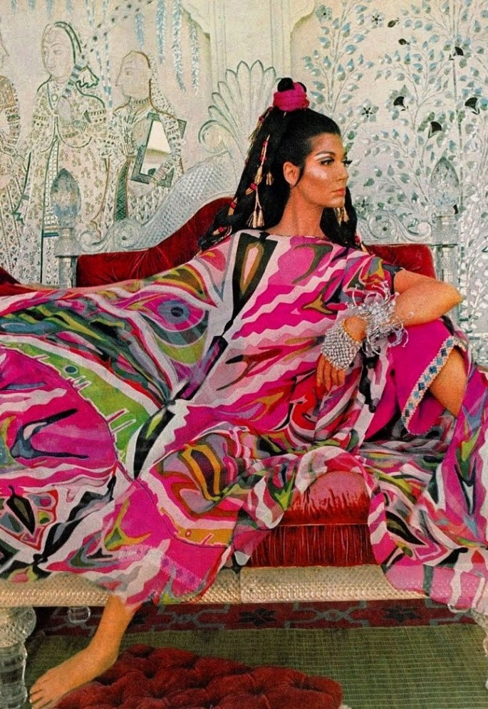 Emilio-Pucci-Vogue-1967-685x996