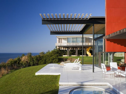 Hamptons house with ocean view